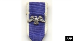 Huân chương Tự do của Tổng thống, là vinh dự cao nhất dành cho thường dân của Hoa Kỳ