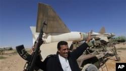 利比亞反對派在東部已經掌握軍隊放棄的武器