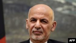 (រូបឯកសារ) លោកប្រធានាធិបតីអាហ្វហ្គានីស្ថាន លោក Ashraf Ghani ចូលរួមនៅក្នុងសន្និសីទកាសែតមួយនៅវិមានប្រធានាធិបតី ក្នុងក្រុងកាប៊ុល កាលពីថ្ងៃទី១២ ខែកក្កដា ឆ្នាំ២០១៦។
