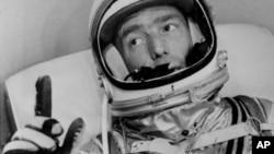 """Scott Carpenter fue el segundo hombre en orbitar la Tierra en una época en la que había """"competencia por conquistar"""" el espacio entre EE.UU. y la Unión Soviética."""