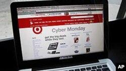 2011年11月28号,美国连锁店Target在感恩节后第一个星期一进行网上促销活动