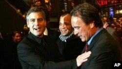 George Clooney i Robert Baer na Berlinskom filmskom festivalu na premijeri filma Syrriana