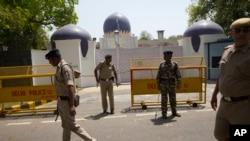 Penjagaan di sekitar Kantor Perwakilan Pakistan di New Delhi, India. (Foto: dok)