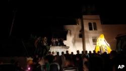 İsrail askerleri tarafından bombalanan Filistinli zanlılardan Emir Ebu Ayşi'nin evi