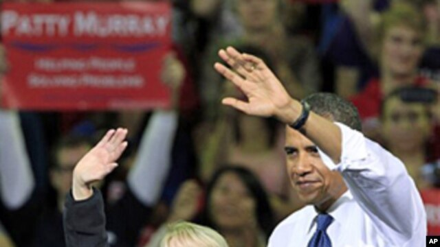 President Barack Obama and Senator Patty Murray during a rally at the University of Washington in Seattle, 21 Oct 2010