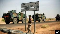 Troupes françaises au Mali, près de la frontière nigérienne