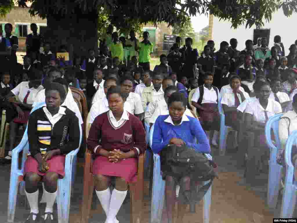 Pemerintah Sudan Selatan meluncurkan program nasional untuk mendesak orangtua terus mengirim anaknya ke sekolah.