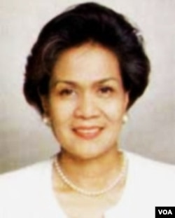 Mantan Deputi Gubernur Senior BI, Miranda Swaray Goeltom ditetapkan sebagai tersangka kasus suap anggota DPR tahun 2004.