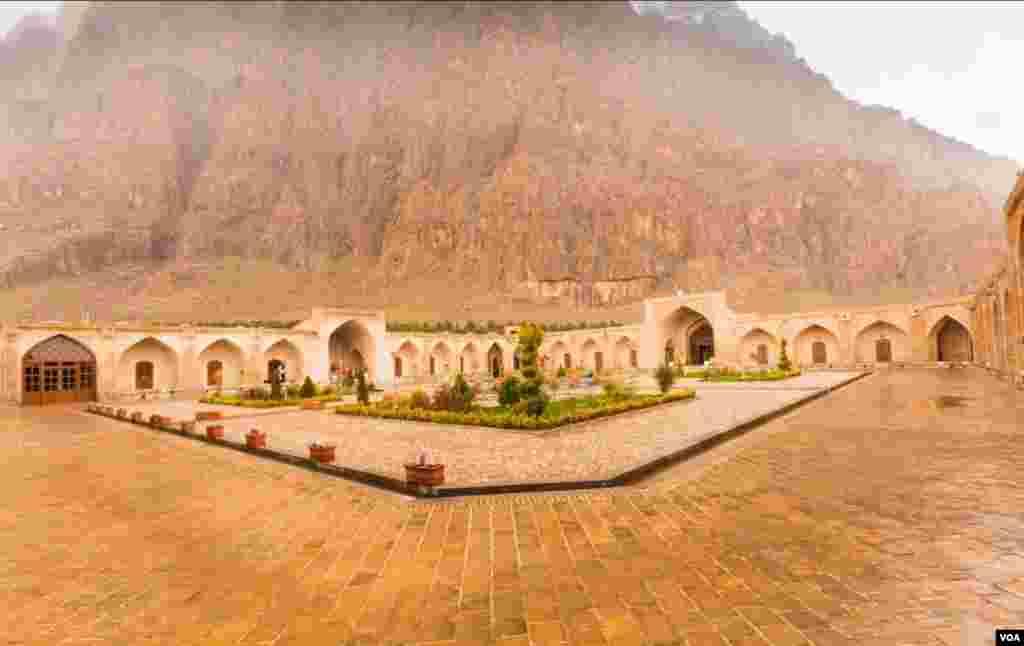 کاروانسرای شاه عباسی بیستون عکس:کوروش (ارسالی شما)