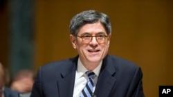 El secretario del Tesoro de Estados Unidos, dijo que el gobierno tiene una estrategia agresiva no solo atacando refinerías petroleras sino también a tanqueros, y está trabajando con Irak para suspender los pagos al Estado Islámico en el sistema.