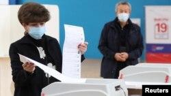На одном из избирательных участков в Москве. 19 сентября 2021 г.