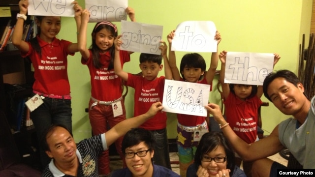 5 trẻ em ở Manila chuẩn bị sang Mỹ để đoàn tụ với cha sau 6 năm chờ đợi