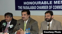 Federal Minister for Trade, Eng. Khurram Dastgir Khan, addressing the Faisalabad Chamber of Commerce and Industry at Faisalabad, Jan. 9, 2014.
