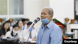 Ông Bùi Viết Hiểu tại một phiên xử ở tòa Hà Nội. (Hình: TTXVN)
