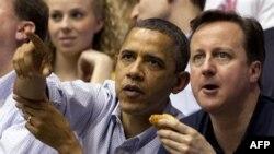 Барак Обама и Дэвид Кэмерон на баскетбольном матче в Дэйтоне, Огайо, 13 марта 2012