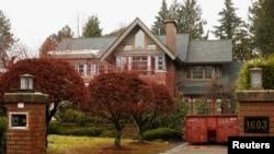 华为首席财务官孟晚舟的家庭在加拿大不列颠哥伦比亚省温哥华市拥有的两所房屋之一(2018年12月8日)。