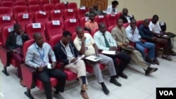 A ouvir as subtilezas da lei - Jornalistas no encontro com o procurador geral de Malanje