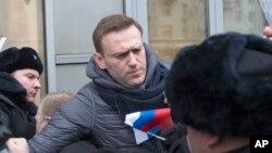 莫斯科警察拘留俄罗斯反对党领袖纳瓦尔尼