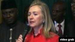 克林顿国务卿出访非洲(VOA视频截图)