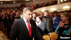 Pemimpin separatis Ukraina, Alexander Zakharchenko, tiba dalam upacara pelantikan di Donetsk, Ukraina timur, November 2014.
