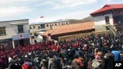 四川甘孜竹慶鄉藏民抗議的情況