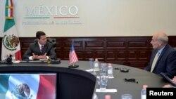 El presidente de México, Enrique Peña Nieto recibió al secretario de Seguridad Nacional de EE.UU., John Kelly en la residencia oficial de Los Pinos donde sostuvieron una reunión privada.