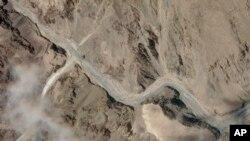 衛星照片顯示印度和中國之間的實際控制線附近拉達克地區的加勒萬山谷地區。