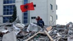 Spasioci i dalje traguju za preživelima u Draču, počele prve sahrane