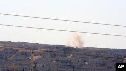Pertempuran antara militan ISIS dengan pasukan Kurdi Suriah di kota Kobani, Suriah semakin meningkat, Jumat (4/10).