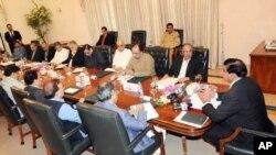 نو منتخب وزیراعظم خصوصی اجلاس کی صدارت کررہے ہیں