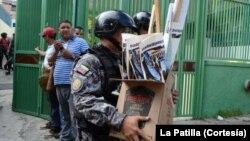 Material de propaganda política fue lo que encontró el SEBIN al inspeccionar la sede de COPEI que fue tomada de forma ilegal por invasores.
