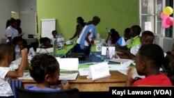 Les participants à la colonie verte à Lomé, le 24 août 2019. (VOA/Kayi Lawson)