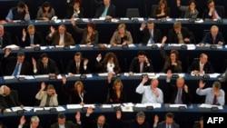 Avrupa kurumlarında cinsiyet eşitliğine önem veren Avrupa Parlamentosu, bu konuda sürpriz bir oylamaya ev sahipliği yaptı.
