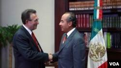 El sucesor de Carlos Pascual, Wayne, es un diplomático de carrera que ejerció como embajador adjunto en Afganistán.