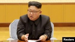 El líder norcoreano Kim Jong Un y su fallecido padre, Kim Jong Il utilizaron pasaportes brasileños según informa la agencia de noticias Reuters.