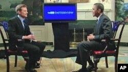 صدر براک اوباما یوٹیوب کو انٹرویو دے رہے ہیں۔