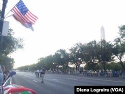 Keamanan diperketat di sepanjang rute parade Paus hari Rabu (23/9) sementara para pengunjung mulai berdatangan ke National Mall di Washington, D.C., 23 September 2015.