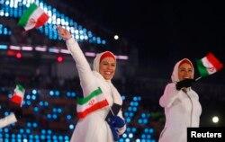 در آغاز گفته شده بود که ورزشکاران ایران و کره شمالی حاضر در المپیک، گوشی های اهدایی سامسونگ را دریافت نخواهند کرد.