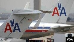 Maskapai 'American Airlines' mengumumkan kebangkrutan dan akan mem-PHK 13.000 karyawannya.