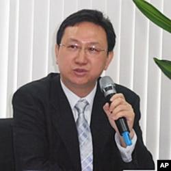 台湾政治大学国家发展研究所教授童振源