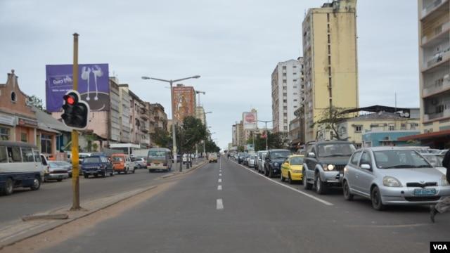 Moçambique Maputo Av Eduardo Mondlane ( Foto João Santa Rita)