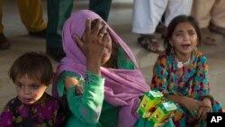 사고로 울고 있는 파키스탄의 아이들 ( 자료사진)