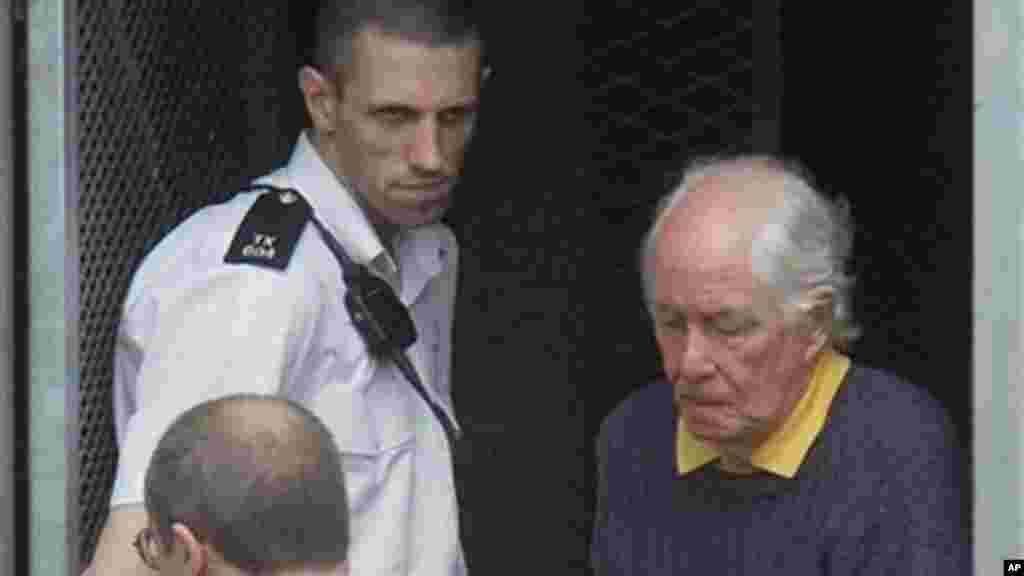 """O britânico Ronnie Biggs, considerado o """"ladrão do século"""" pelo assalto a um comboio dos Correios, entre Glasgow e Londres, em 1963, morreu a 18 de Dezembro, aos 84 anos."""