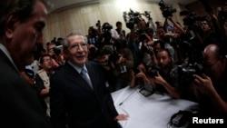 El exdictador Efrain Rios Montt arribó al Tribunal para escuchar la sentencia condenatoria a 80 años de prisión por genocidio y crímenes de guerra.