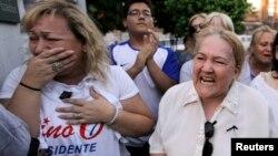 巴拉圭總統候選人歐威多得支持者傷心痛哭