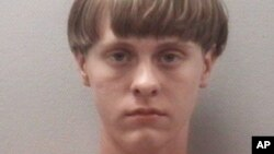 Foto tersangka, Dylann Roof, yang dirilis oleh Pusat Penahanan Lexington County, South Carolina, April 2015.