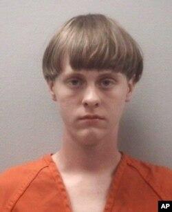 21岁白人男子迪伦·斯托姆·鲁夫