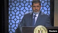 Presiden terpilih Mesir, Mohammed Morsi akan dilantik di hadapan Mahkamah Konstitusi, Sabtu (30/6).