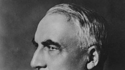 Warren Harding had owned a newspaper in Ohio. People advised him to enter politics, because he was such a good public speaker.