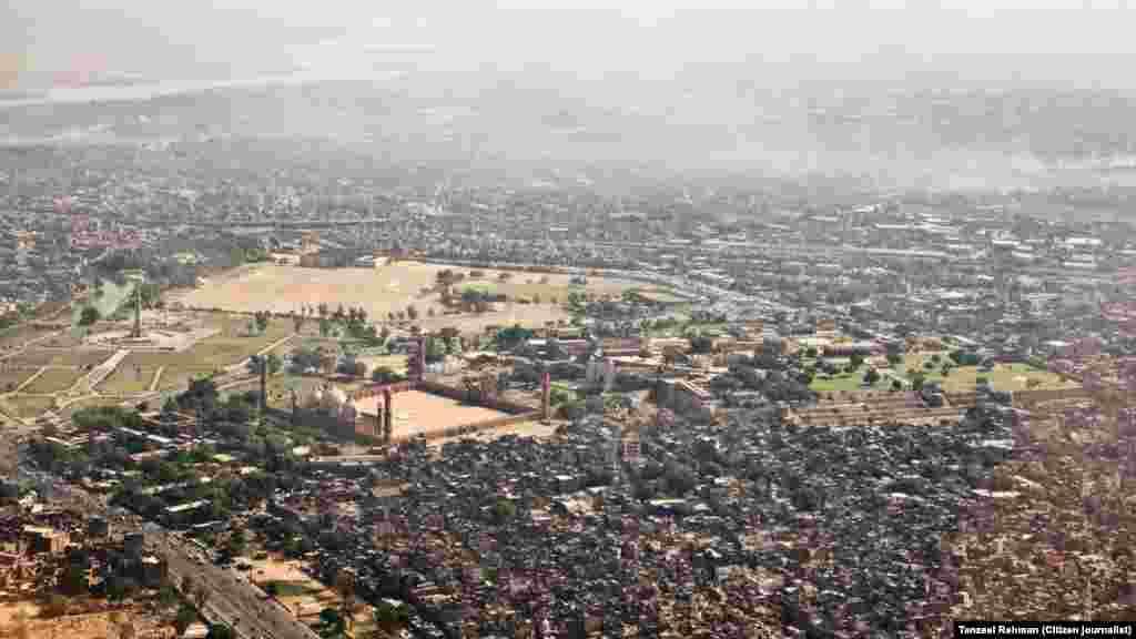 شاہی قلعہ، بادشاہی مسجد اور ساتھ ہی مینار پاکستان کی ایک ساتھ تصویر کشی